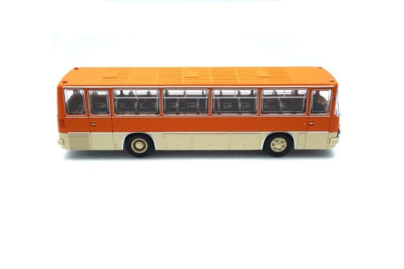 Ikarus 255 Reisebus orange/hellelfenbein, (TD), Spur H0