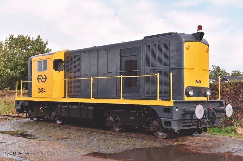 Diesellok/Soundlok 2400 grau-gelb,Rundumleuchte IV,Next18, N