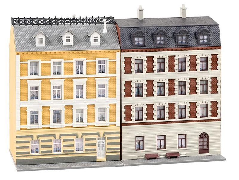 2 sanierte Stadthäuser Baustaz, Spur N