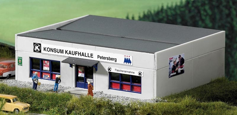 Plattenbau Kaufhalle Petersberg, Bausatz, Spur H0