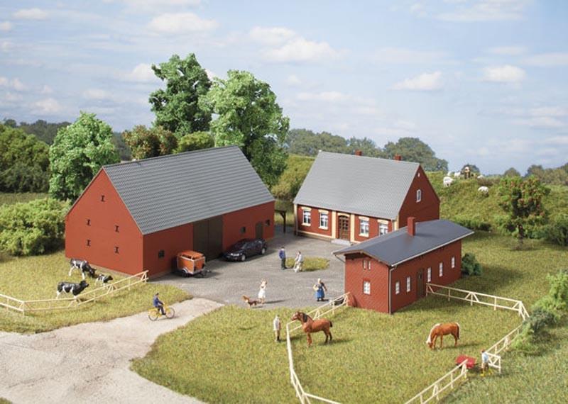 Bauernhof, 3 Gebäude, Bausatz, Spur H0