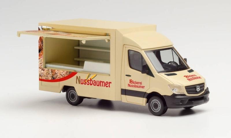 MB Sprinter `13 Foodtruck Bäckerei Nussbaumer, 1:87 / H0