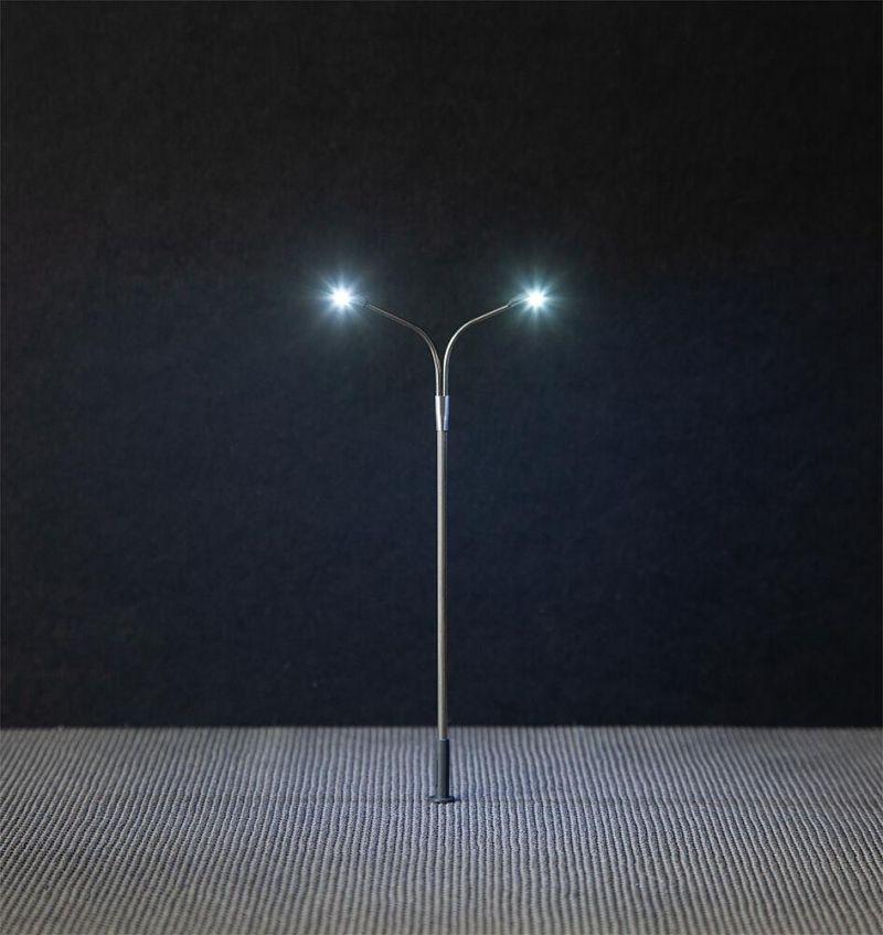 LED-Straßenbeleuchtungen, Peitschenleuchten, 3 Stück, H0