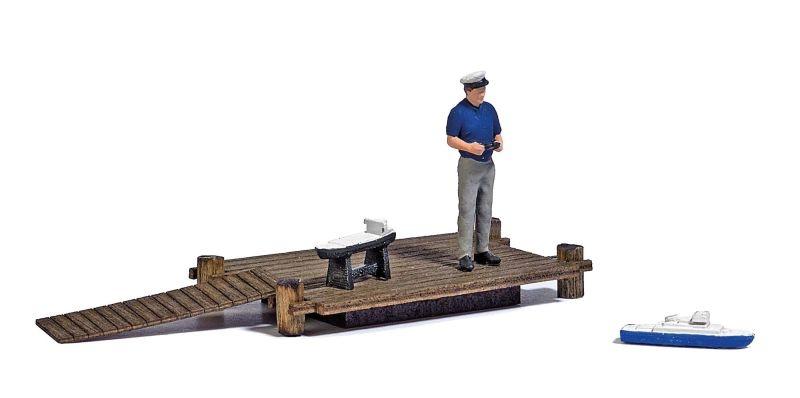 See mit Modellboot Bausatz, Spur H0