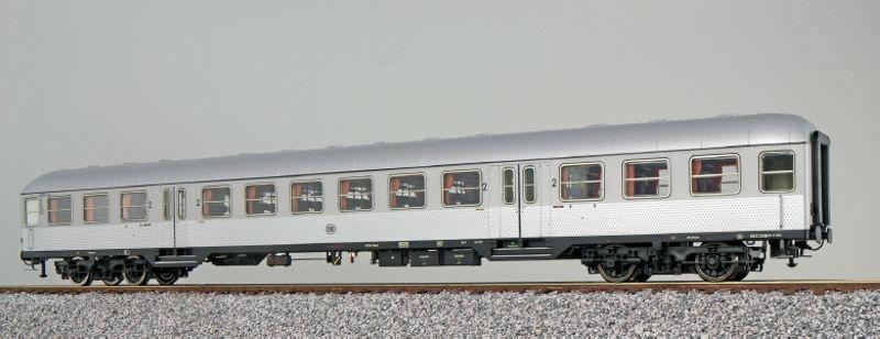 n-Wagen Silberling B4nb-59 2. Kl. silber der DB, DC, Spur H0