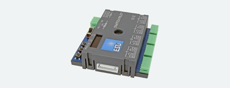 Switch Pilot 3, 4-fach Magnetartikeldecoder, DCC/MM, OLED,