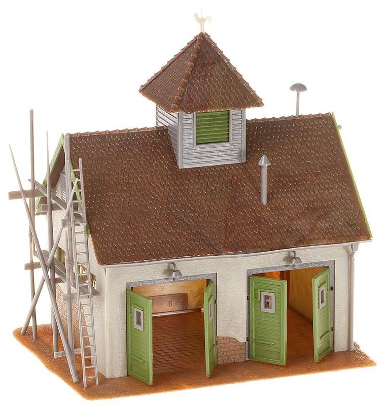 Ländliches Feuerwehrhaus Bausatz H0