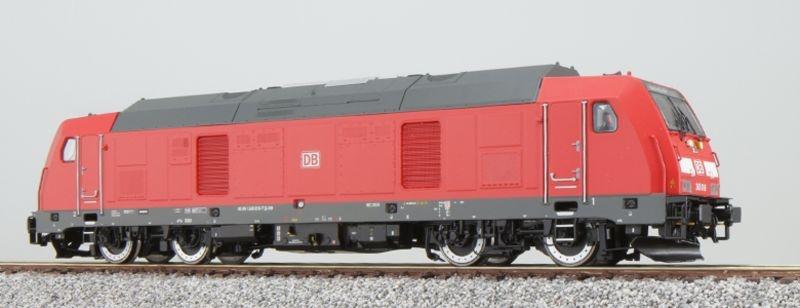 Diesellokomotive BR 245 018 der DB, verkehrsrot, Spur H0