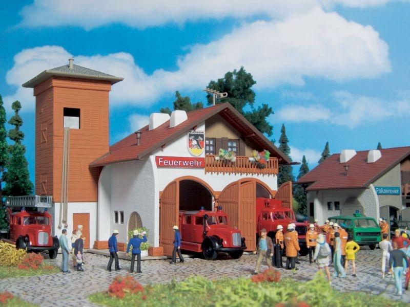 Feuerwehrhaus 112, zweiständig, Bausatz, Spur H0