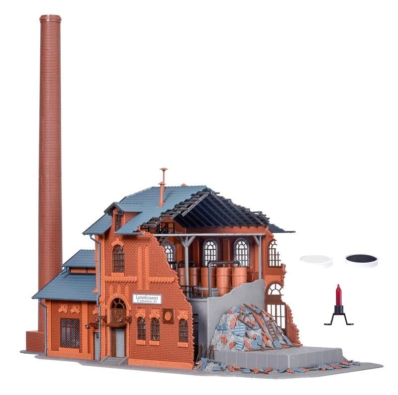 Brennende Fabrik mit Flackerlicht & Farbtabletten, Spur H0
