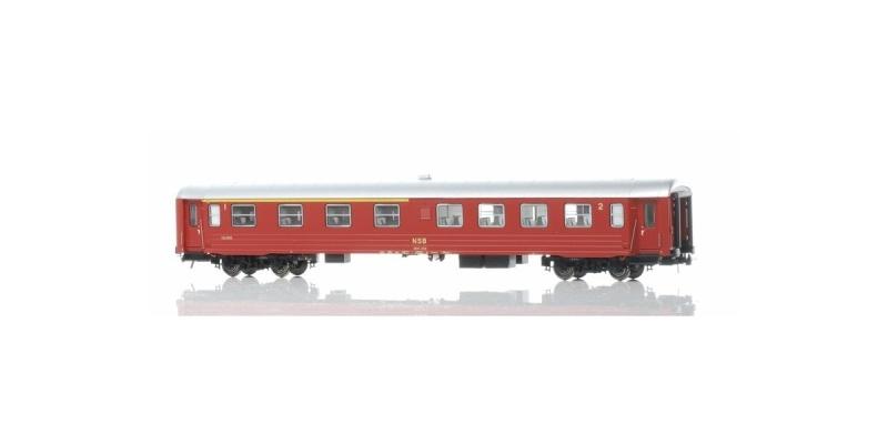 Topline Personenwagen AB11K 24120 der NSB, rot von 1982, H0