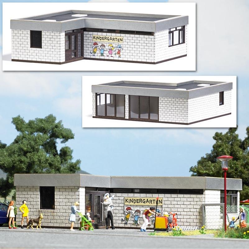 Kindergarten Bausatz, Spur H0