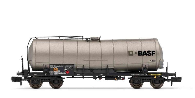 4-achsiger Kesselwagen Basf der DB, silber, DC, Spur N