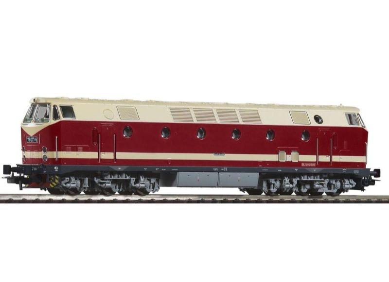 Diesellok BR119 der DR,Spitzenlicht oben,schwarzer Rahmen,H0