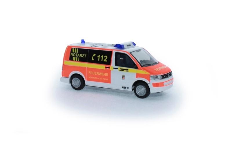 Volkswagen T5 ´10 Notarzt FW Mülheim/Ruhr, 1:87 / H0
