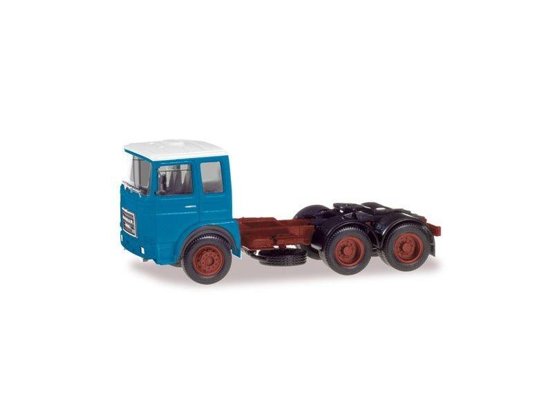 Roman Diesel 6x4Zugmaschine, hellblau / Dach weiß 1:87 / H0
