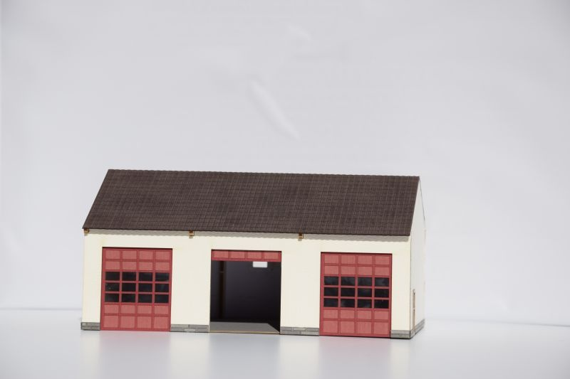Feuerwehr-Fahrzeughalle,3-ständig,Spur H0 (Lasercut-Bausatz)