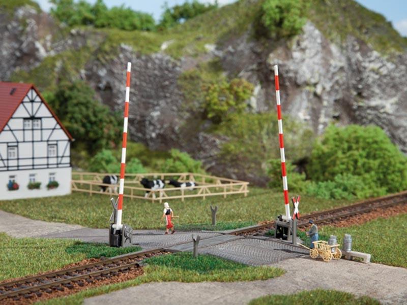Beschrankter Bahnübergang, gerade, manuell, Bausatz, Spur H0
