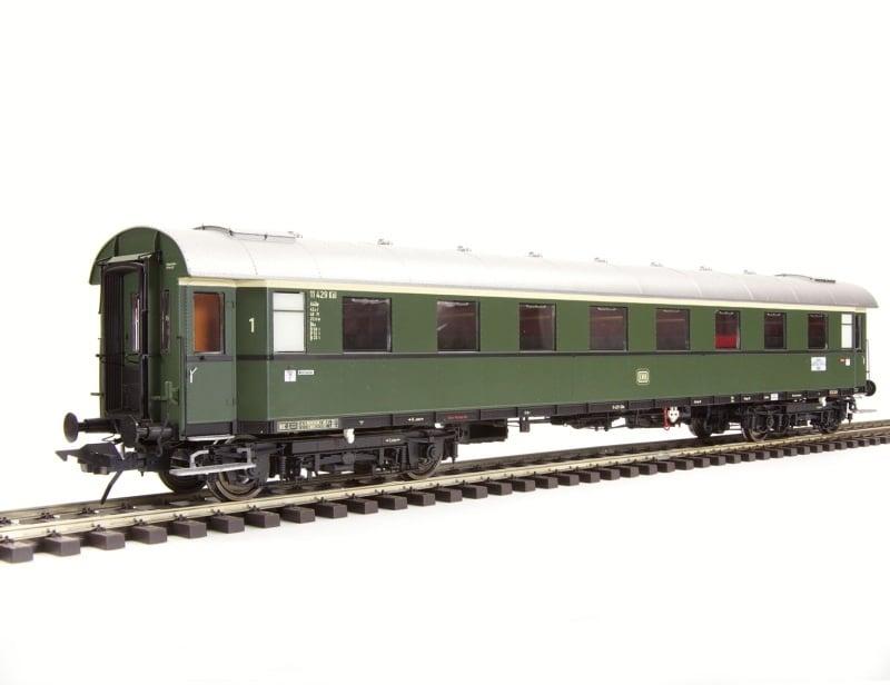 Schnellzugwagen Gruppe 29, 1. Klasse, A4üe-28/52, DB, Spur 0