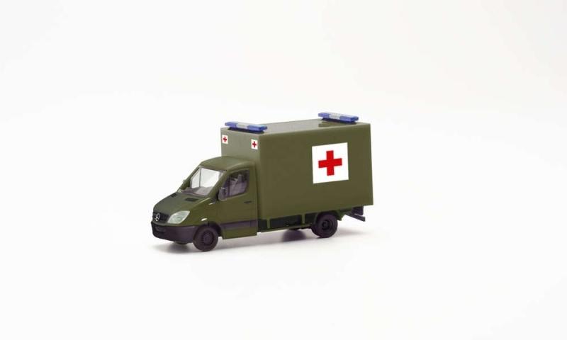MB Sprinter `06 Koffer Schweizer Militär Rotes Kreuz, H0