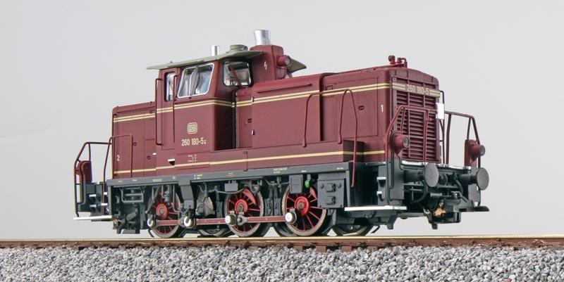 Diesellok BR 260 180 der DB, altrot, Ep. IV, E-Kupplung, H0