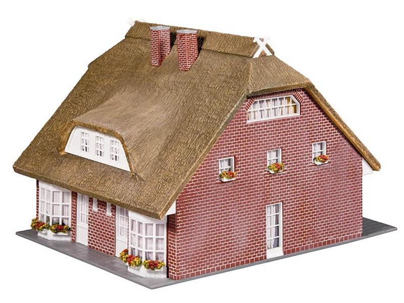 Wohnhaus mit Reetdach Bausatz H0
