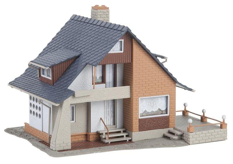 Wohnhaus mit Balkon Bausatz, Spur H0