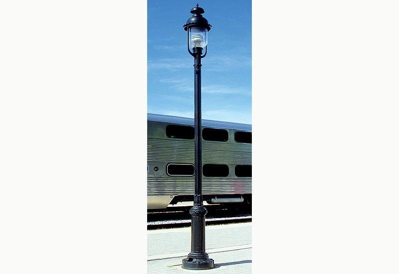 LED-Bahnsteigleuchte nach US-Vorbild, Stecksockel, H0