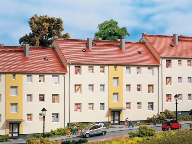Mehrfamilienhaus, Bausatz, Spur H0