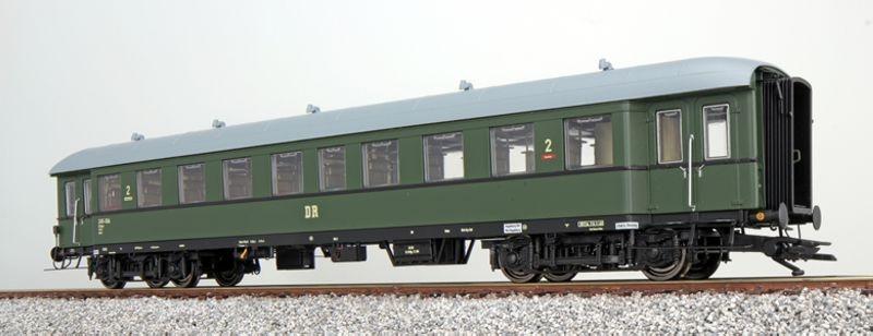 Eilzugwagen Bhe 27-14593, flaschengrün, 2. Klasse der DR,H0