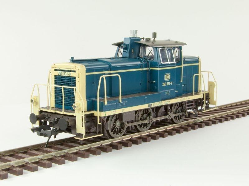 Diesellok BR260 der DB, Epoche 4, ozeanblau/beige, Spur 0