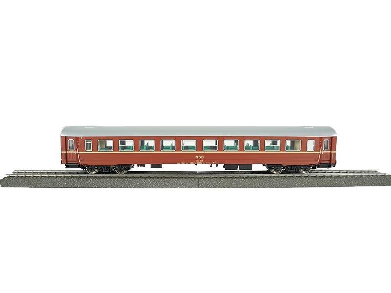 Topline 2. Klasse Großraumwagen NSB B3-2, rotbraun, H0