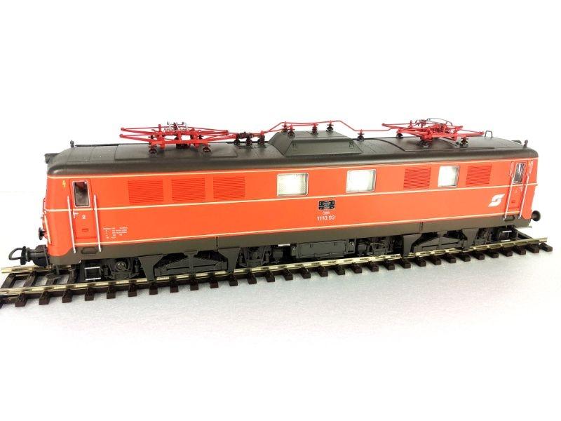 E-Lok Rh 1110 der ÖBB, blutorange, AC-Version,Ep. IV,Spur H0