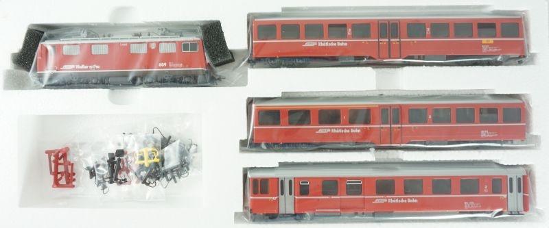 Zugpackung Davoser Pendelzug der RhB mit Gleisoval, H0m
