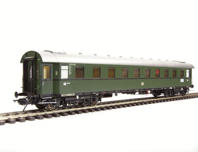 Schnellzugwagen Gruppe 29, 2. Klasse, B4üe-28, DB, Spur 0
