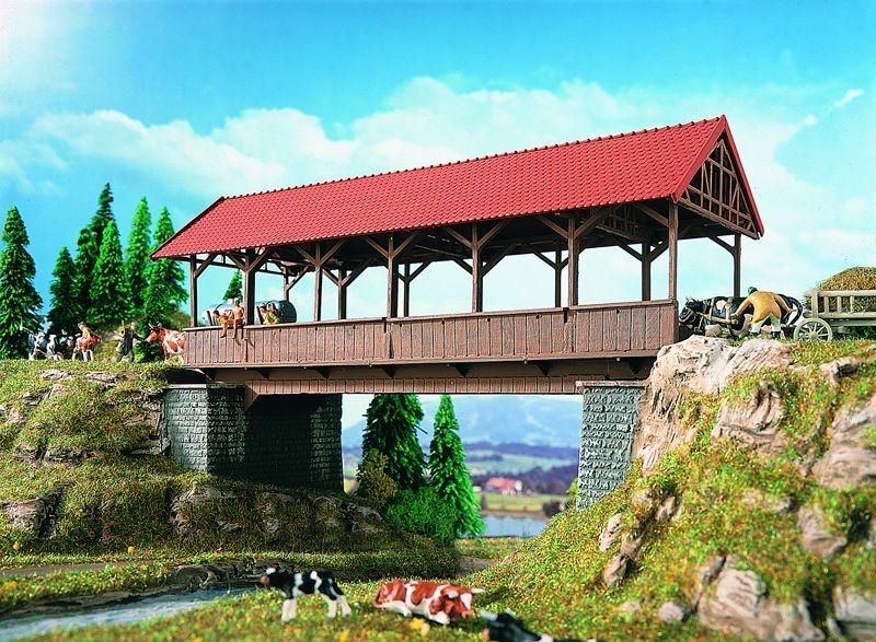 Stegbrücke überdacht, Bausatz, Spur H0