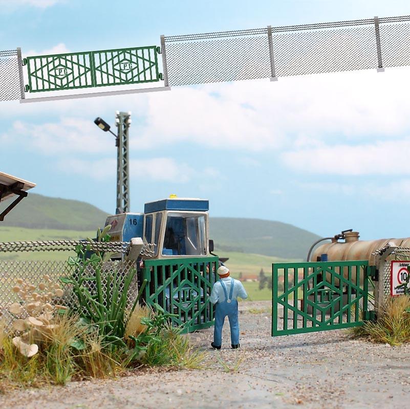 LPG Zaun mit Betonpfosten und Tor, Spur H0