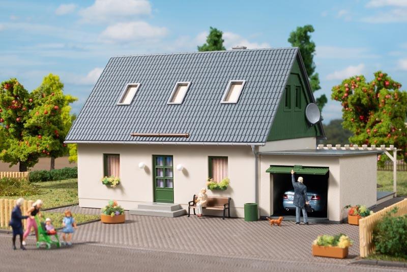 Einfamilienhaus mit Garage, Bausatz, Spur H0