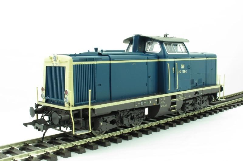 Diesellok BR 212, DB, Ep. 4, oceanblau/elfenbein, Spur 0