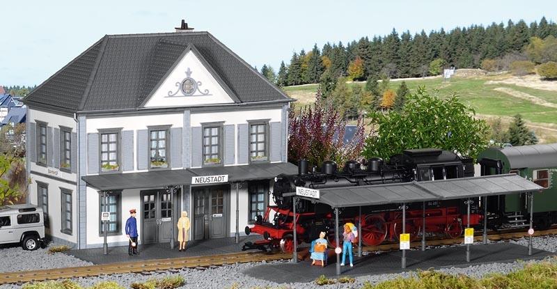 Überdachter Bahnsteig, Bausatz, Spur G
