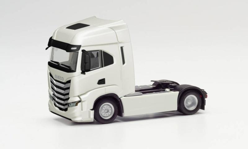 Iveco S-Way Zugmaschine, weiß, 1:87 / Spur H0