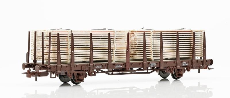 Topline Rungenwagen Kbps der SJ, mit Holzbeladung, H0