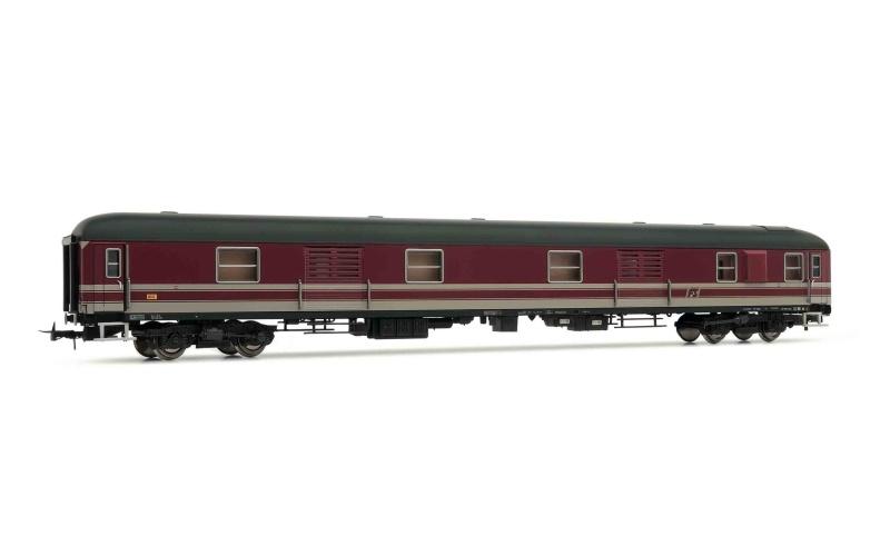 Gepäckwagen Typ X 68, rot mit Stahltüren der FS, DC, Spur H0