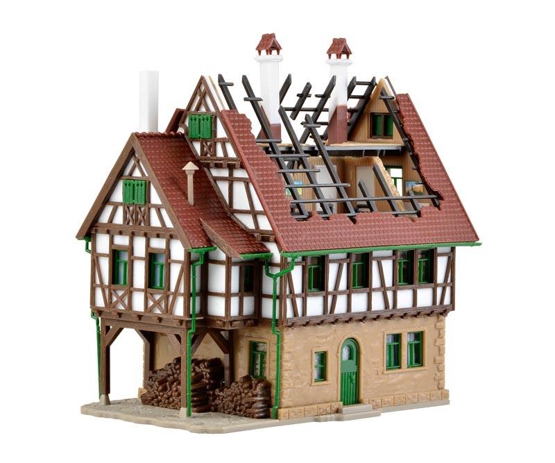 Brennendes Haus, Bausatz, Spur N