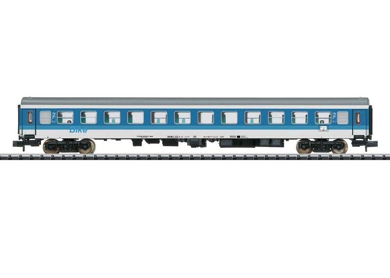 Schnellzugwagen Bimdz 2423 der DR, Minitrix Spur N