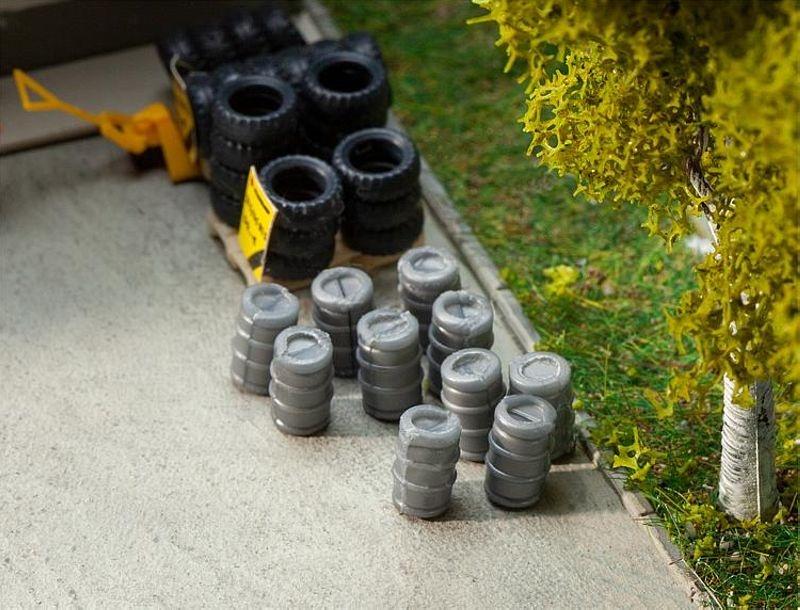 10 Aluminium-Bierfässer Bausatz H0