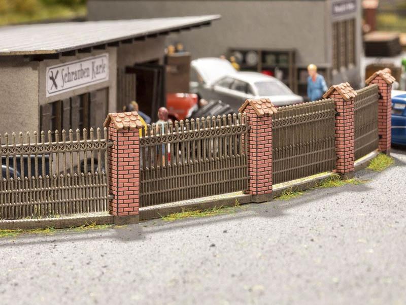 Zaun mit gemauerten Säulen Laser-Cut minis Spur H0