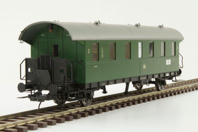 Donnerbüchse Bi 2. Klasse der DB, chromoxidgrün, Spur 0