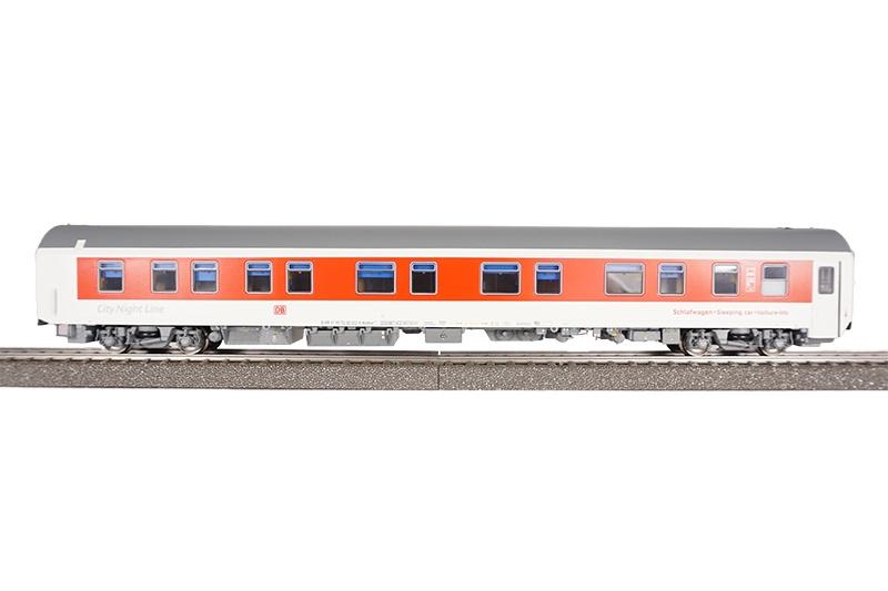 Reisezuwagen WLABmz 173.1 weiß/rot CNL, DB, DC, Spur H0
