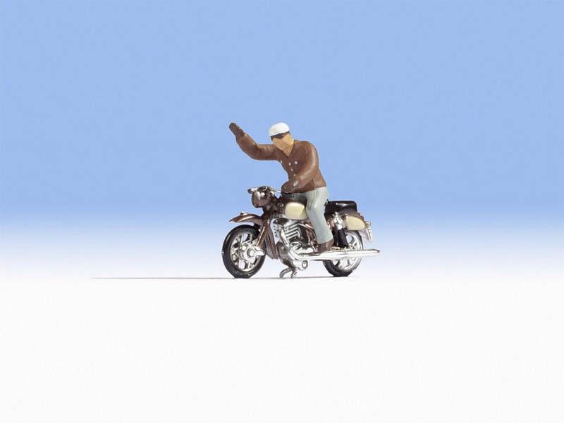 NSU Supermax Figur mit Motorrad, Spur H0
